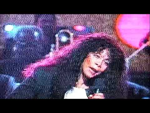 HOT STUFF - DONNA SUMMER (Live)