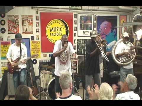 Glen David Andrews @ Louisiana Music Factory JazzFest 2009 - PT 2