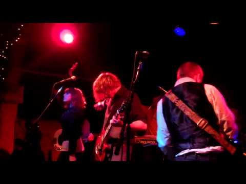 Glittermouse The Power & KISS Lovegun cover part 5 at Schubas