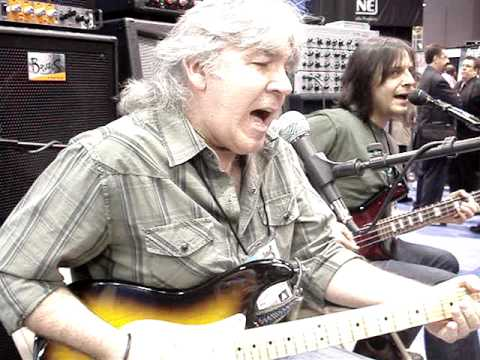 Bell Bottom Blues - Godfrey Townsend and John Montagna with Cicognani Amps at NAMM 2010