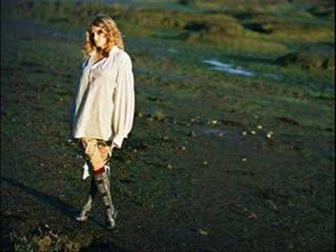 Goldfrapp-It`s Not Over Yet(Grace & Klaxons Cover)