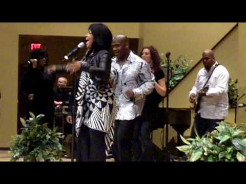 "BeBe & CeCe Winans - ""Never Thought"" Live at Celebration of Black Music"