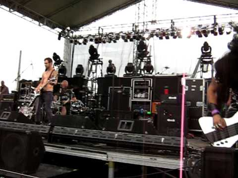 Hero/Walk by Pop Evil at Grand Slam in Duluth