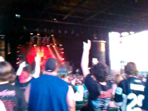 Motley Crue Intro at Pittsburgh Ozzfest 2010