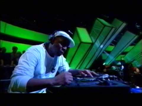 Grandmaster Flash - scratching LIVE - on British TV show 2009