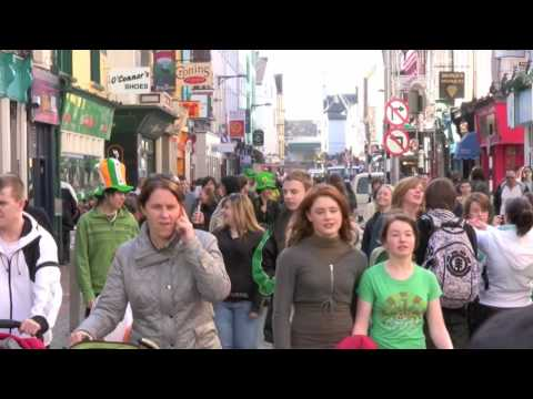 Saint Patrick`s day Cork 2009 - it all went green:)