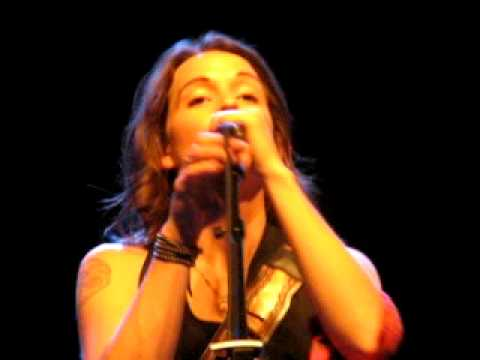 Brandi Carlile - Folsom Prison (with fiddle and banjo- oh my!)