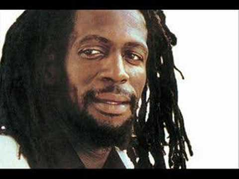 Gregory Isaacs - Rumours (Rumours Riddim)