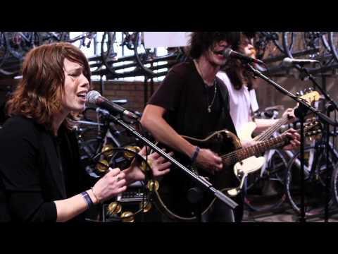 Grouplove - Colours (Live on KEXP)