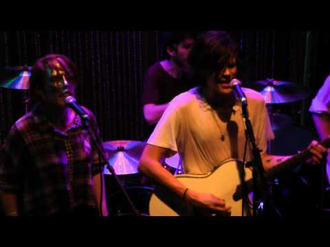 Grouplove - Colours (live) Philly 11-15-10