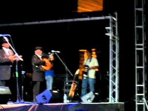 """""""Dos Gardenias"""" de Grupo Compay Segundo en el FISL 2010"""