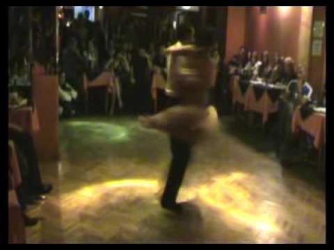 Claudio Villagra guillermina quiroga bailan en Porte�o y Bailarin
