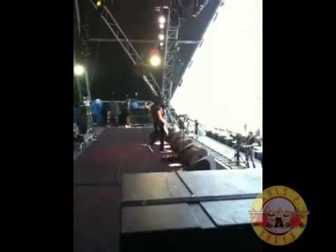 Guns 2 Roses - The REAL Slash - Backstage at Glastonbury 2010