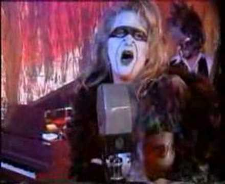 GWAR - Don`t need a man