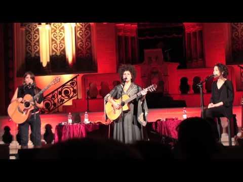 HaBanot Nechama - Hakol Kashura - Live in Berlin (10/12)