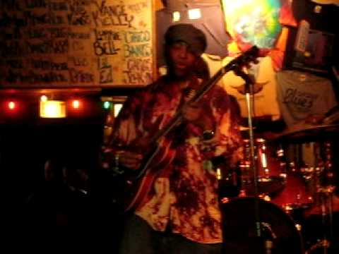 "Chico Banks Guitar Solo @ Blues On Halsted 3-20-08 ""Will It Go Round In Circles"""