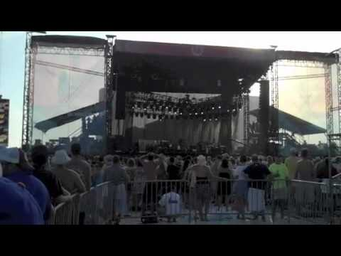 The Black Crowes - Wiser Time - 5-14-2010 Hangout Festival - Gulf Shores, AL