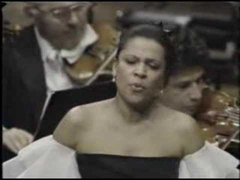Kathleen Battle - Swing Low Sweet Chariot - Boys Choir of Ha