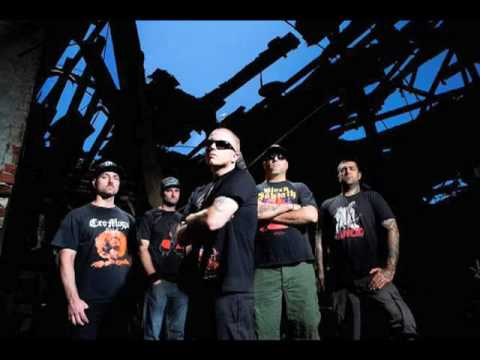"Hatebreed ""Everyone Bleeds Now"""