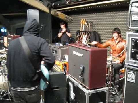 Joey Castillo (EODM/ QOTSA) & Banks (HAUNTS) jam Danzig