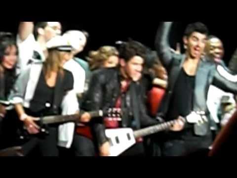 """Heart & Soul"" - Jonas Brothers - 09/16/2010 HQ"