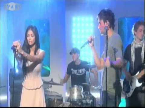 Enrique & Nicole - Heartbeat live (HQ)
