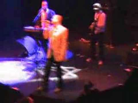 Heaven 17 Performs Let Me Go