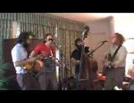 Hoots & Hellmouth play for mvyradio On The Road @ SXSW 2007