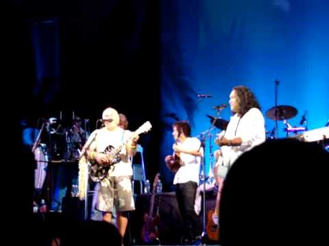 Jimmy Buffett accompanied by Henry Kapono, and Jake Shimabukuro