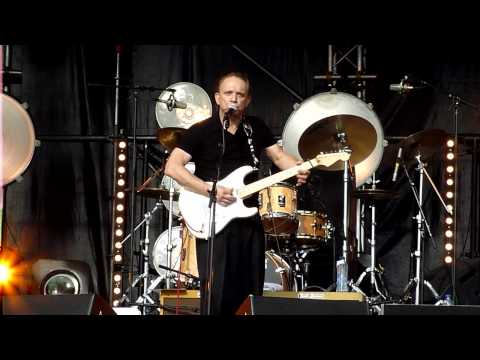 Jimmie Vaughan plays Six strings down on highlandsfestival 5-6-2010