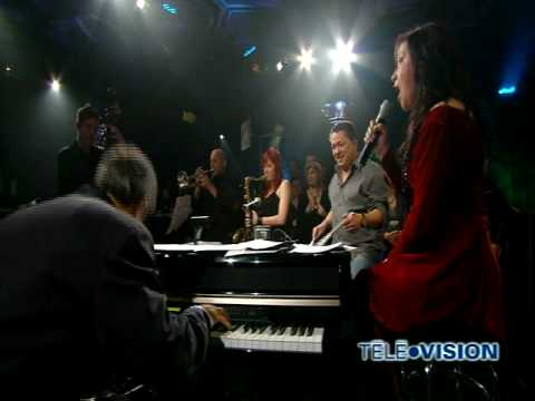 Holly Cole - Santa Baby (live)
