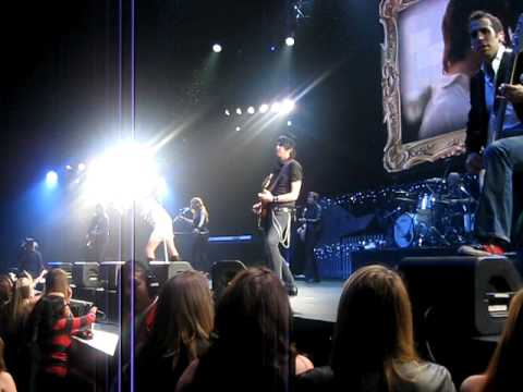 TAYLOR SWIFT Jingle Ball Nokia Center Los Angeles Love Story -
