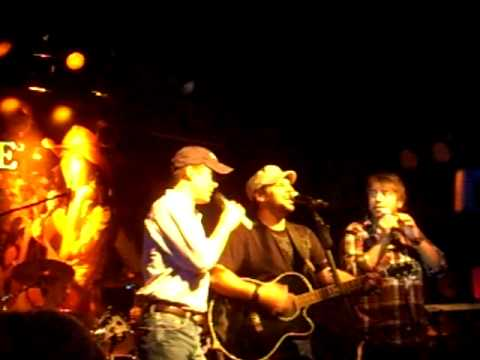Jeff Bates, Mark Wills & Trent Willmon - Bobbie Sue/Take It Easy/Ramblin Man (LIVE)