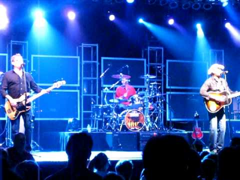 HOOTIE & THE BLOWFISH - I GO BLIND 8.12.08