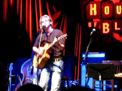 Bronson Arroyo - Fill Me Up (Staind cover)