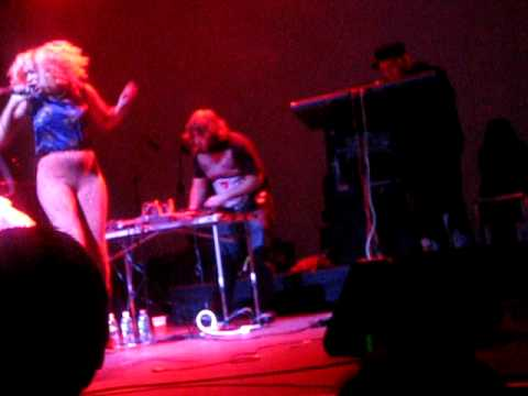 Hottub - Superfriction (Live, Opening Song, Terminal 5, NYC, March 16, 2009)