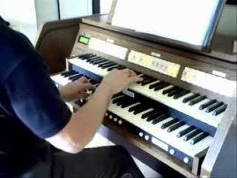 Amazing Grace - Beautiful Hymn with Chimes for Organ ?