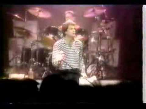 Huey Lewis & The News - Walking On A Thin Line