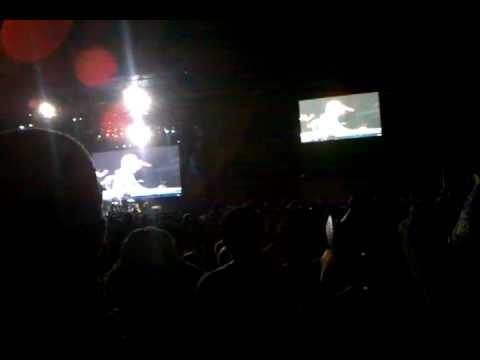 Bon Jovi - Runaway Live HullabaLOU