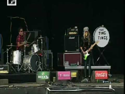 The Ting Tings Shut up and let me go beim Hurricane Festival 2009
