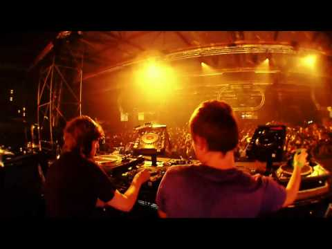 "SOUND OF STEREO DROPPING ""ZIPPER"" @ I LOVE TECHNO 2009"