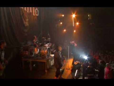 Ill Nino - How Can I Live (live)