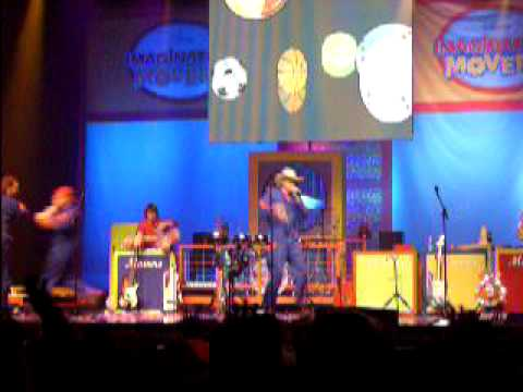 Imagination Movers Live- Playing Catch