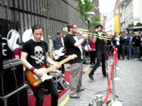 Imperial Leisure - Landlord`s Daughter @ Carnaby Street