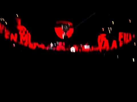 Roger Waters The Wall Live 2010 - Mother