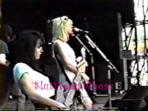 Courtney Love-Hole live at Phoenix Festival 1/4