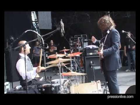"""The Inspector Cluzo """"Mad"""" Live @ Eurockeennes de Belfort 2009"""