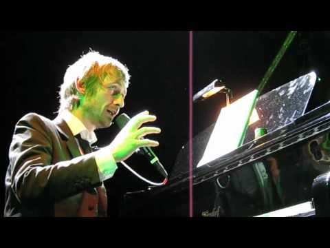 "The Divine Comedy - At The Indie Disco (incl. Blue Monday ""sample"") 