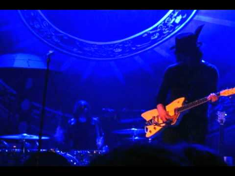 The Dead Weather-Will there be enough water 2010.avi