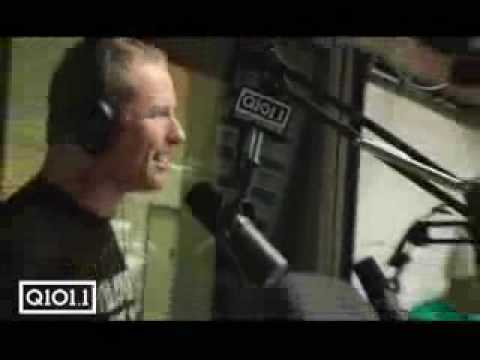 Corey Taylor from slipknot goes POP!